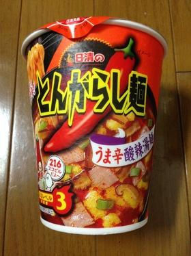 日清 とんがらし麺 うま辛酸辣湯麺